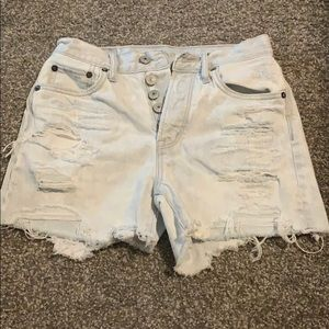 American Eagle Outfitters Shorts - Only been worn once